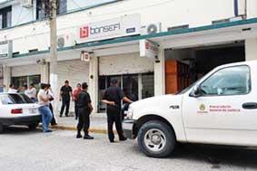 los hechos se registraron a las 08:10 horas, en las oficinas de Bansefi, ubicadas en la avenida Juárez